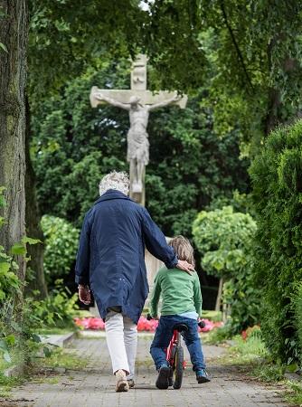 GdF_Begegnung auf dem Friedhof.jpg: